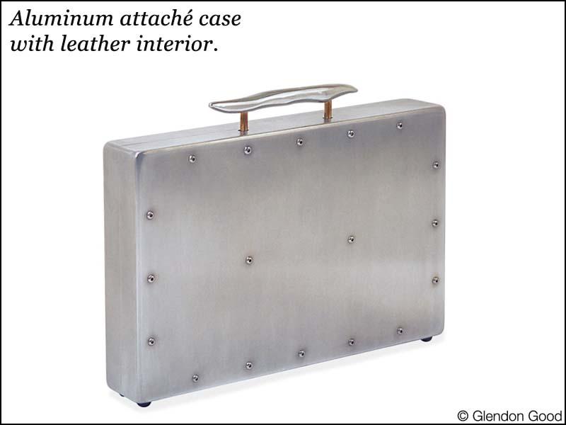 briefcase.aluminum.2