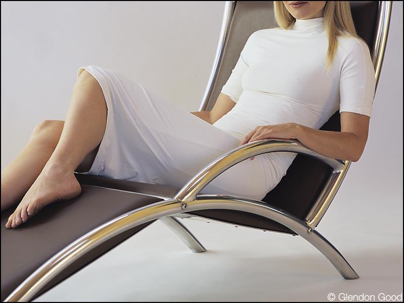 seating.agrus1.leather.aluminum.2