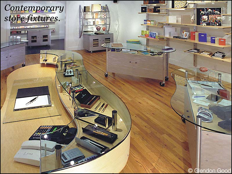 store.papersite.display.fixtures.1
