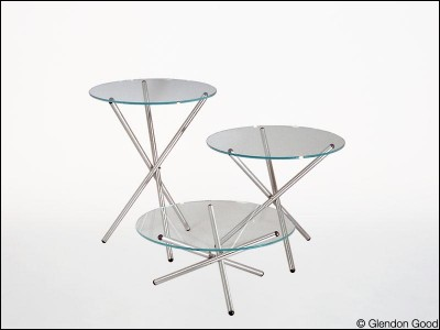 table.alum.glass.3_legs.2