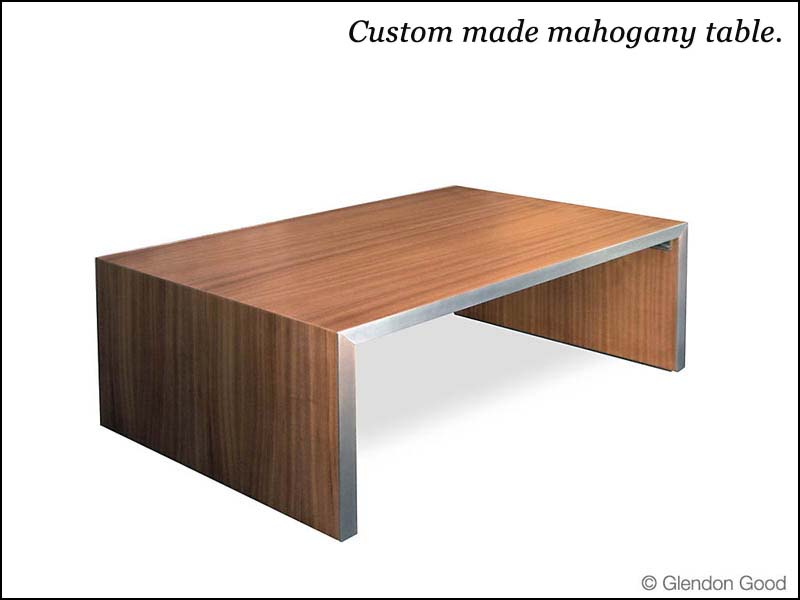 table.mahogany.dg1