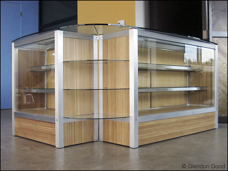 Display.cabinet.glass.bamboo.aluminum.3 .
